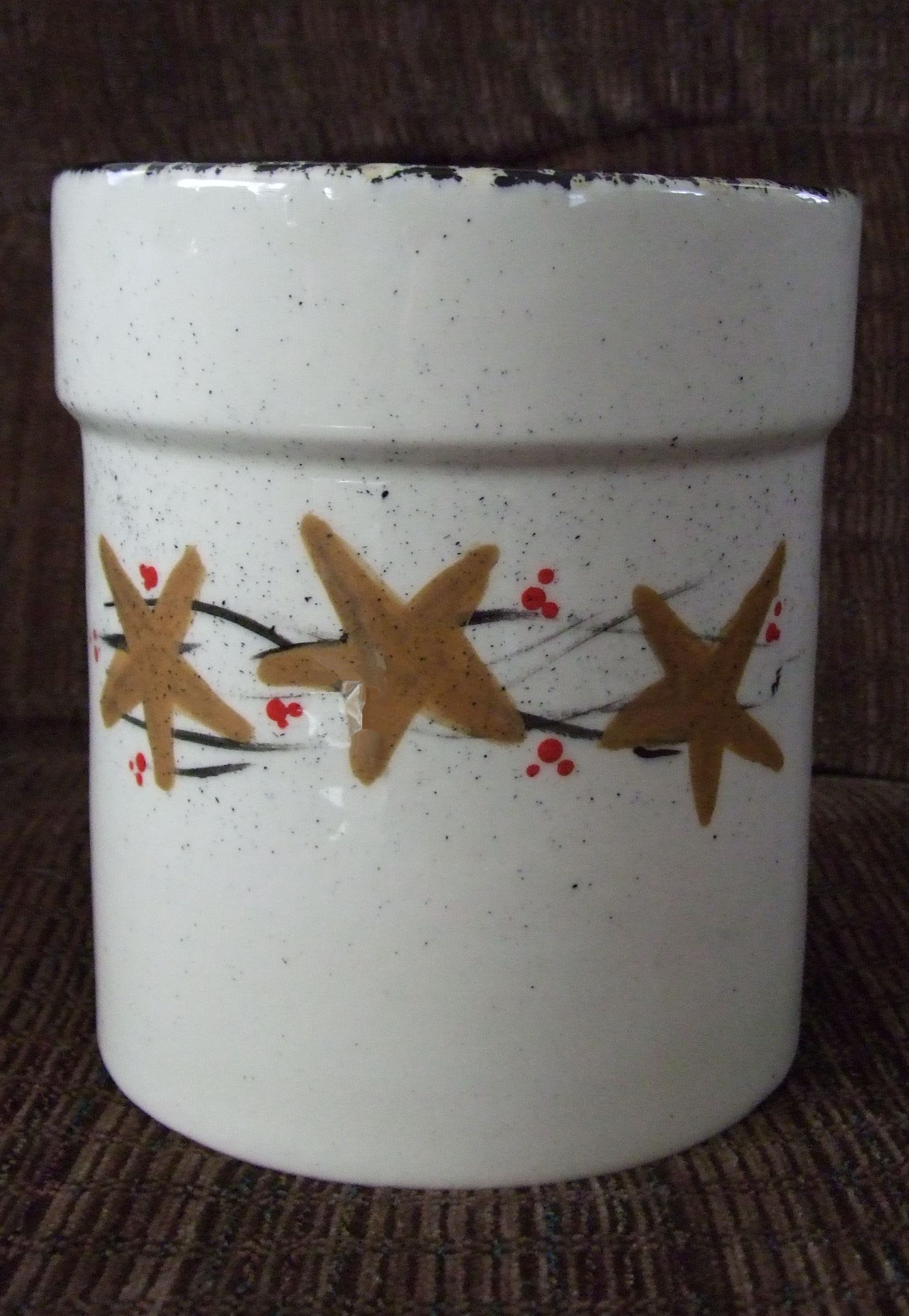medium utensil holder, crock, crockery, pottery, ceramics, hand painted, stars, pip berries