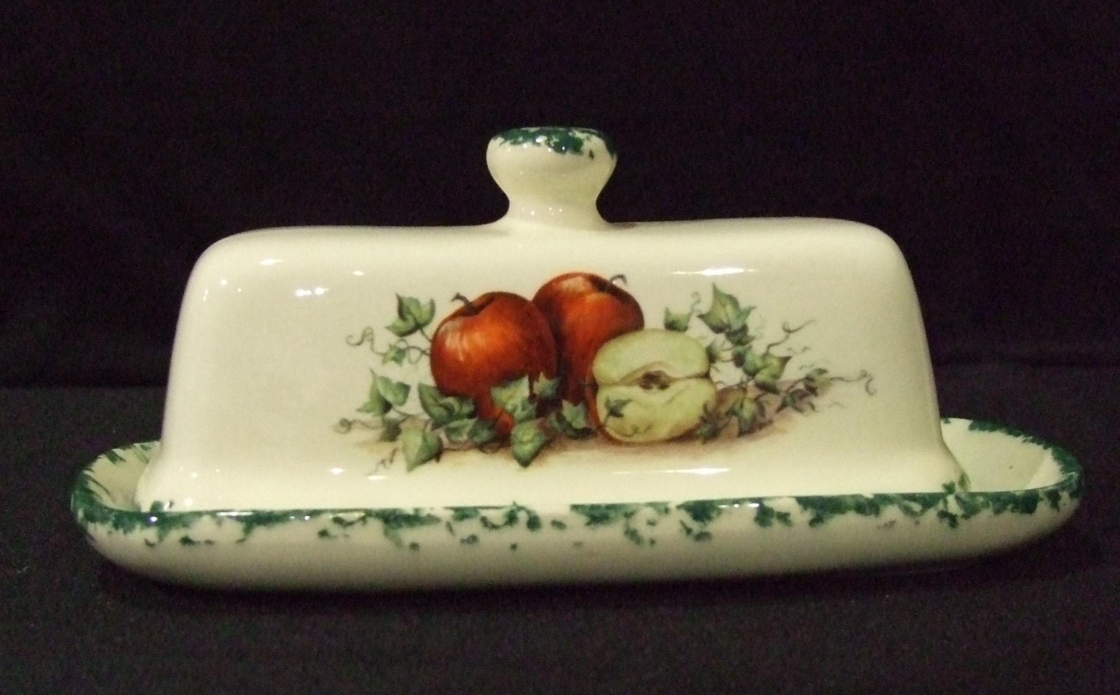 butter dish, pottery, ceramics, butter keeper