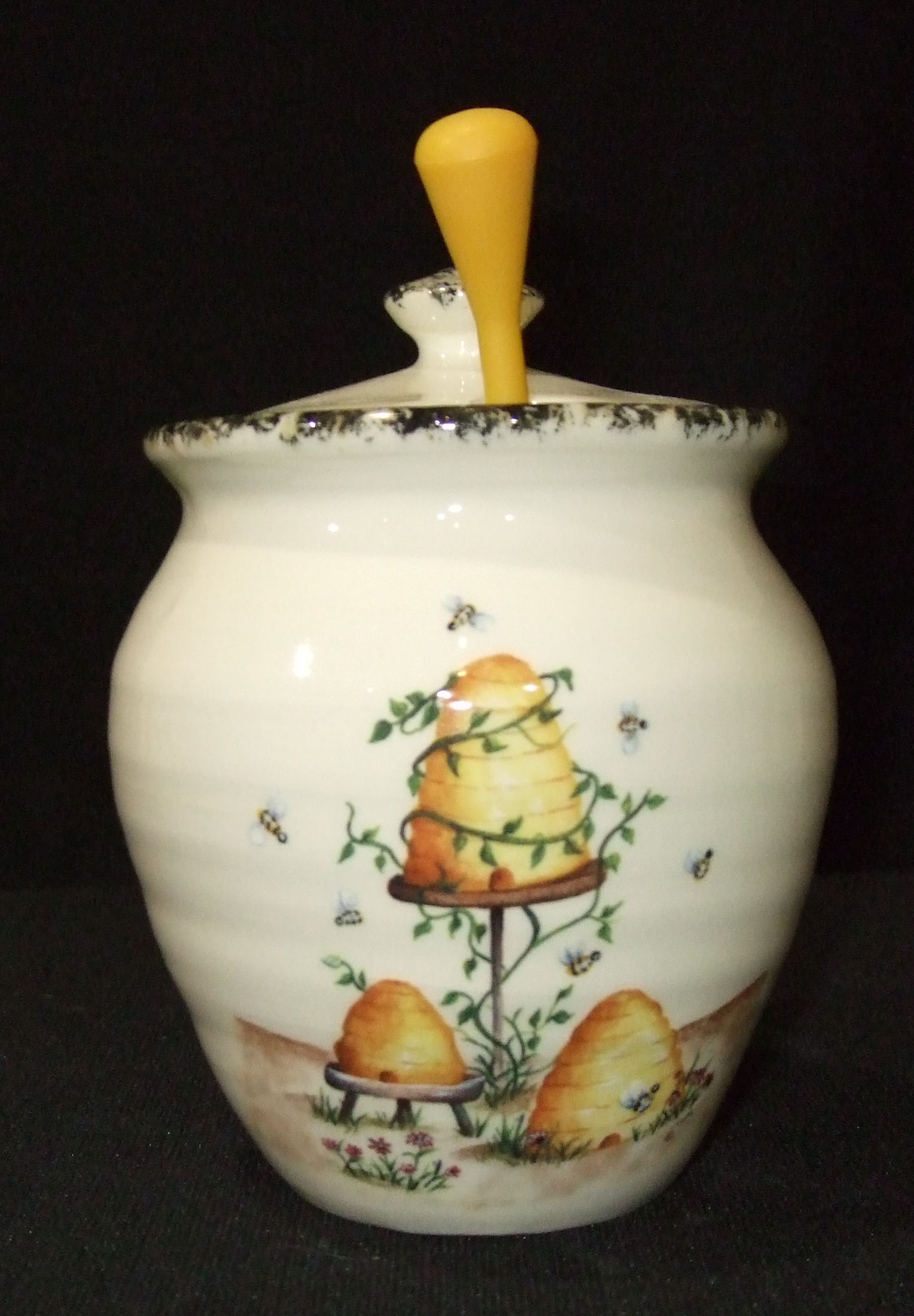 honey pot, honey keeper, jelly jar, pottery, ceramics
