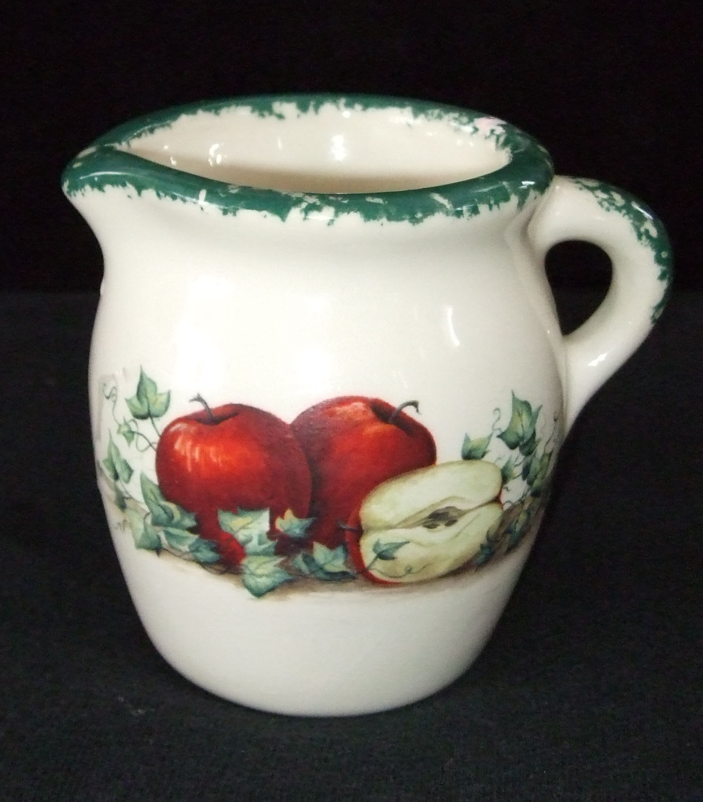 creamer, cream pitcher, potter, American, hand made, USA